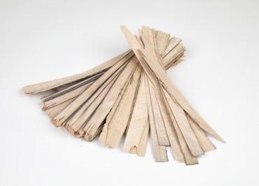 Kawałki drewna na rozpałkę