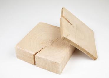 Plastry drewna, różna grubość